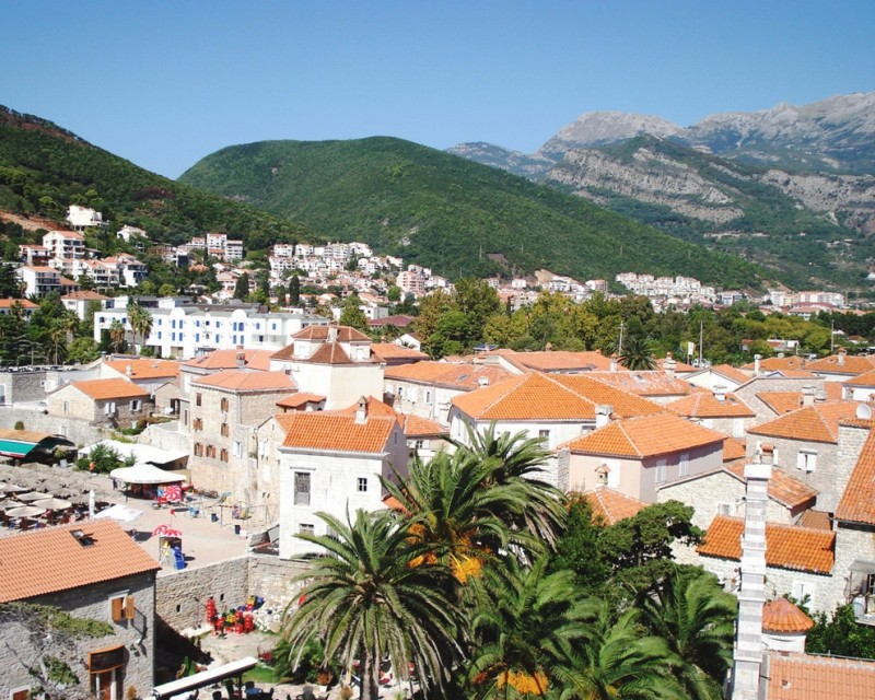 Дома в Черногории: история, застывшая в камне