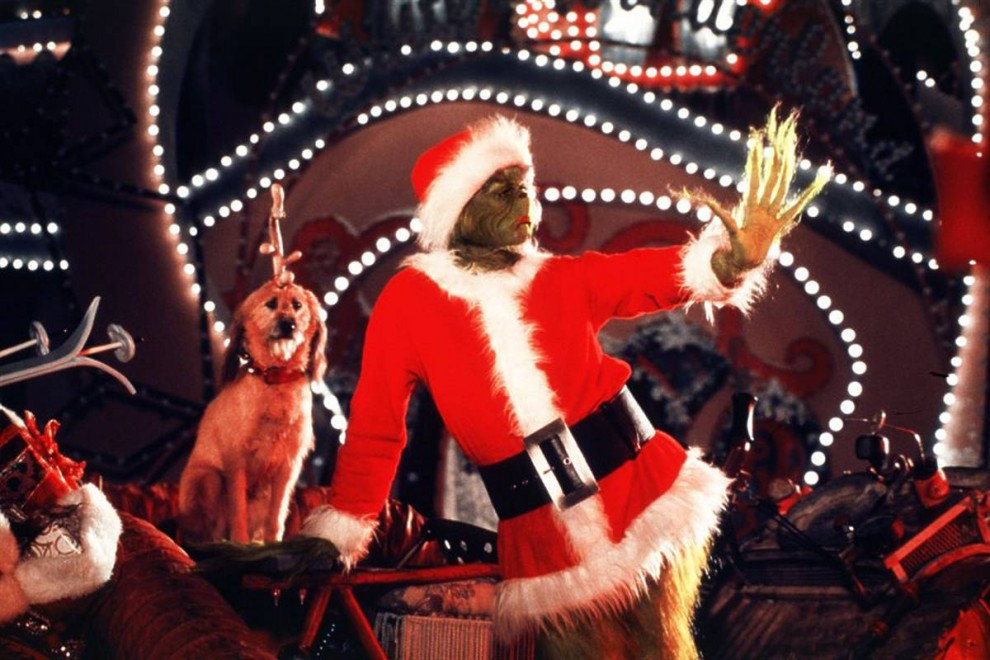 13. Джим Керри снялся в еще одном фильме на тему Рождества – «Гринч – похититель Рождества» в роли Гринча (2000). (Universal Pictures)