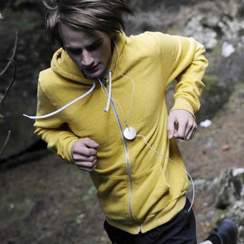 6. Если Вы занимаетесь спортом Magneat поможет Вам не задумываться о мешающихся проводах от наушников.