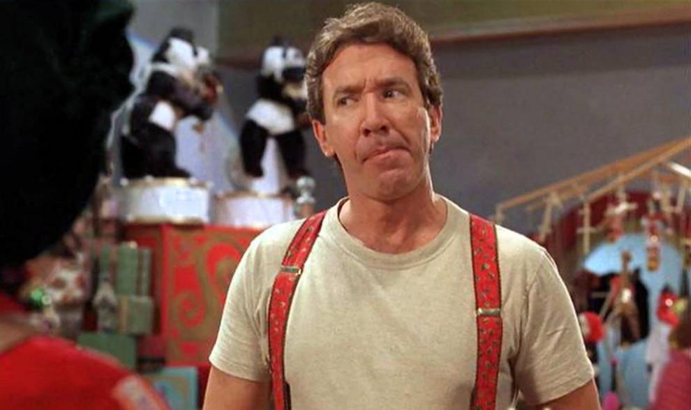 15. Тим Ален играет разведенного папочку, который понимает, что его напряженные отношения с сыном начинают налаживаться, когда по странной прихоти судьбы он становится новым Санта Клаусом в фильме 1994 года «Санта Клаус». (Walt Disney Studios)