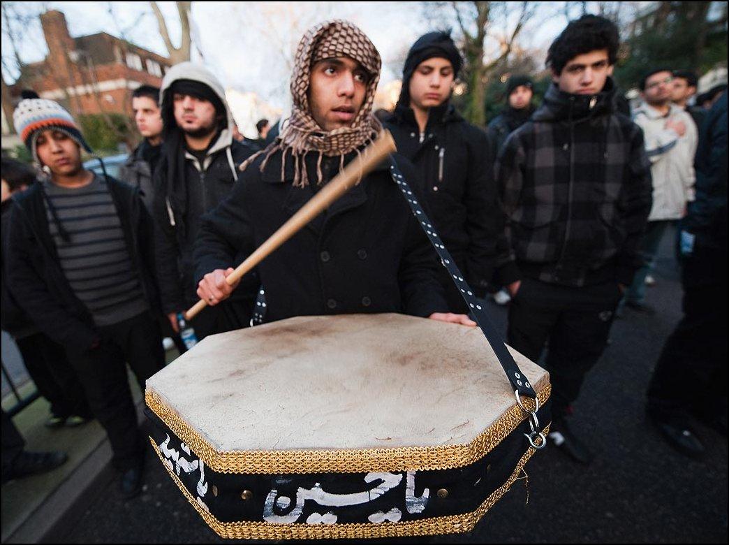 16) © Marco Secchi, Getty Images // Шииты в Лондоне.