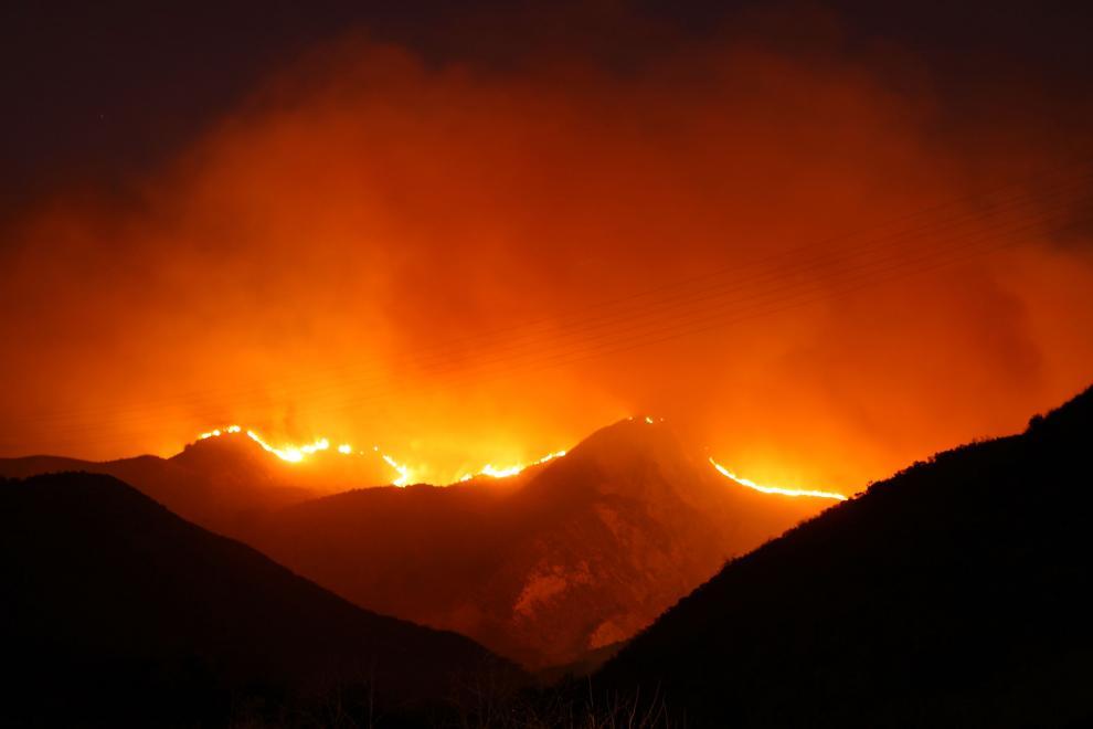 17) Пожары в Калифорнии. (David McNew/Getty Images News/ fotobank.ua / 23 сентября 2009/ США, Калифорния)