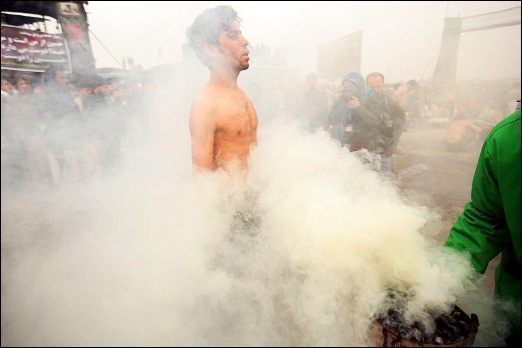 20) © Majid Saeedi, Getty Images / / rantai dan pedang.