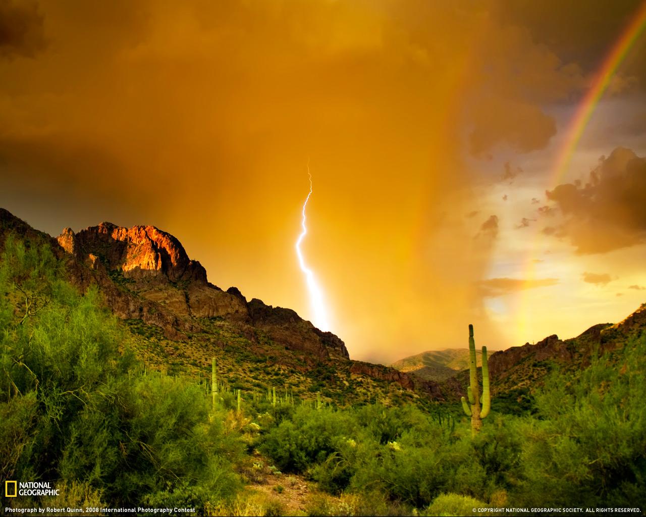 20) Гроза в горах Аризоны.