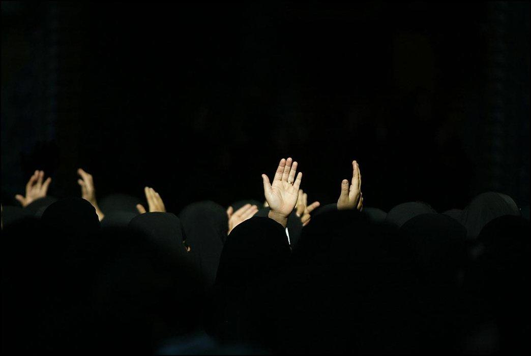 21) © Mohammed Sawaf, AFP / Getty Images // Шиитские женщины.
