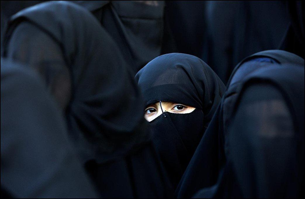 35) © Reuters