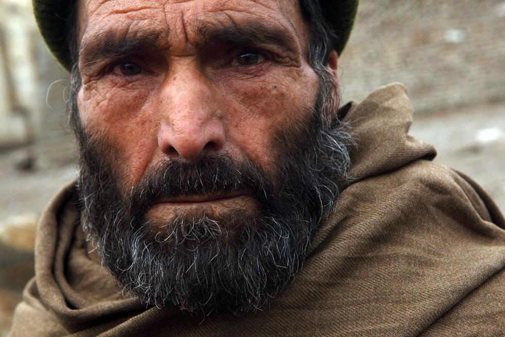 5. С наступлением холодов организация UNHCR (Управление верховного комиссара ООН по делам беженцев) и афганское правительство помогают 200 тыс. обездоленным справиться с суровой зимой, предоставляя им теплую одежду, топливо, пропитание. (Getty Images / Majid Saeedi)