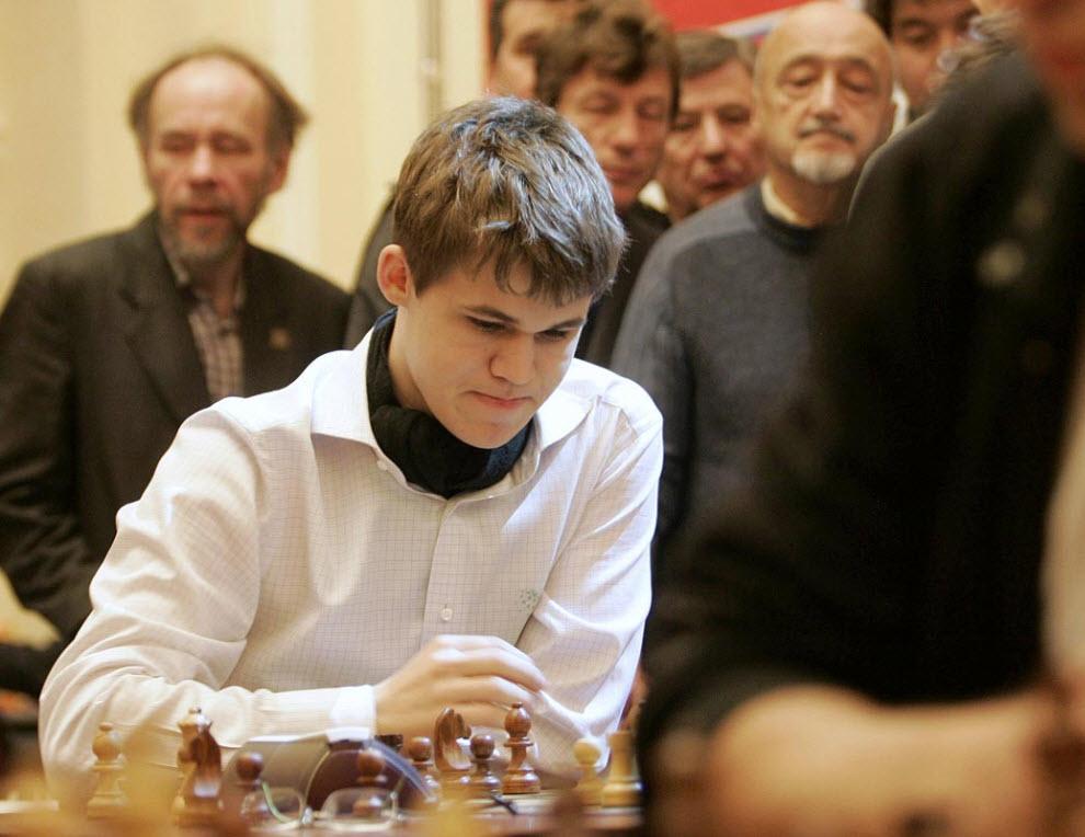 26. Норвежский шахматист Магнус Карлсен во время финала Чемпионата мира по блицу 2009 18 ноября в Москве. Магнус Карлсен стал победителем чемпионата. (AP)