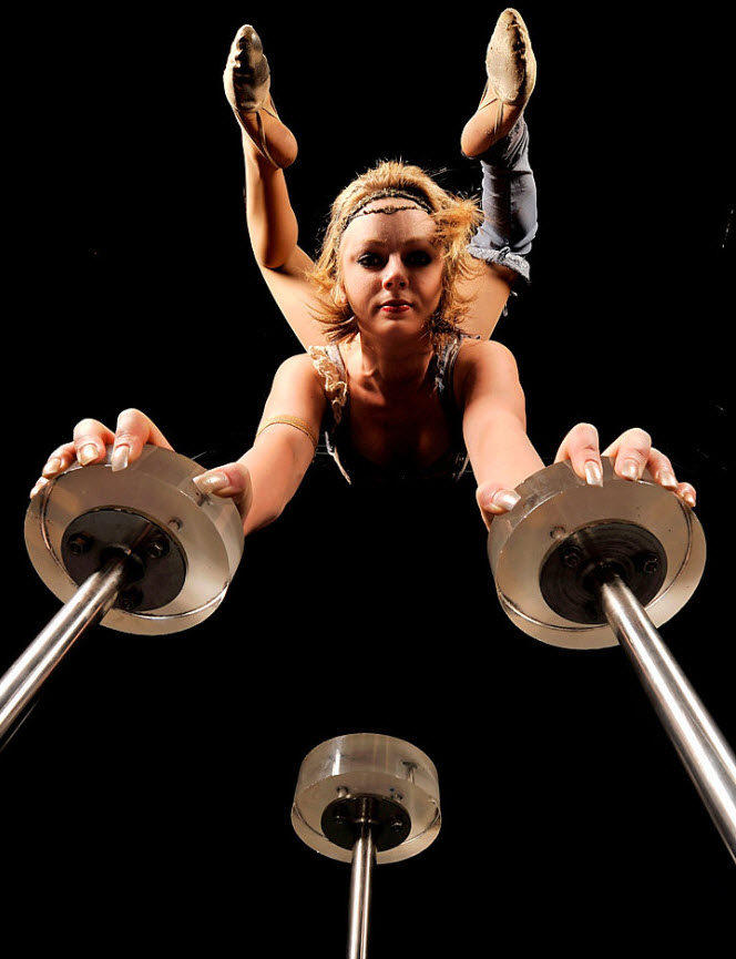 13) Джессика Вард балансирует на руках. (Quinn Rooney/Getty Images)