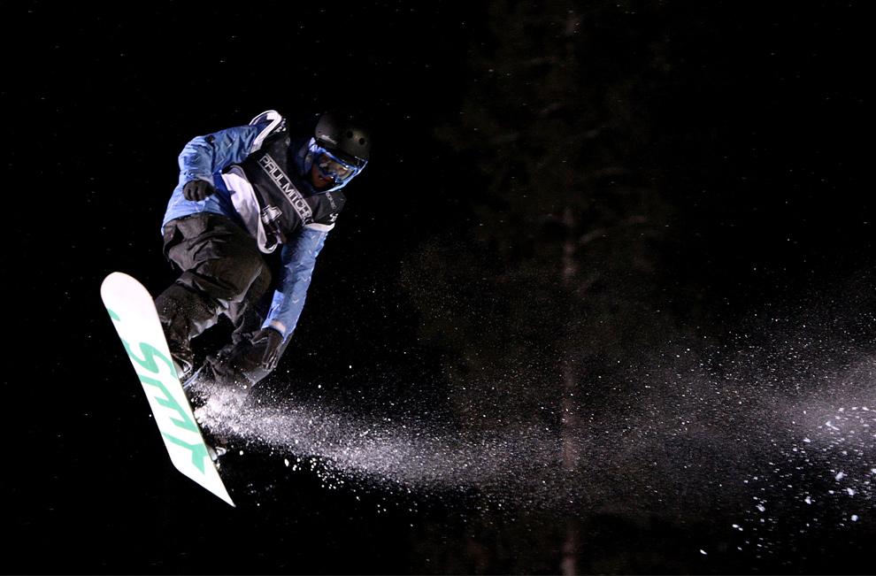 36. Мэдисон Эллесворт участвует в мероприятии «Paul Mitchell Progression Session» после Гран-при США по сноуборду 12 декабря 2009 года в горах Купер, Колорадо. (Streeter Lecka/Getty Images)