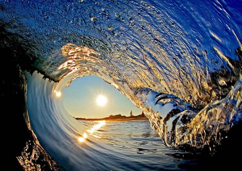 wave01 800x565 Самые красивые гавайские волны от Кларка Литтла