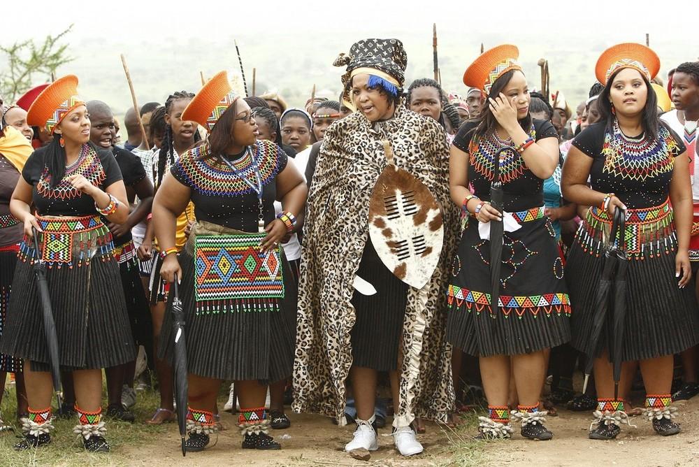 4) У молодожёнов уже трое детей. В целом же президент ЮАР обзавелся 18 потомками. Тобека Мадиба стала пятой его женой и официальной третьей леди ЮАР.