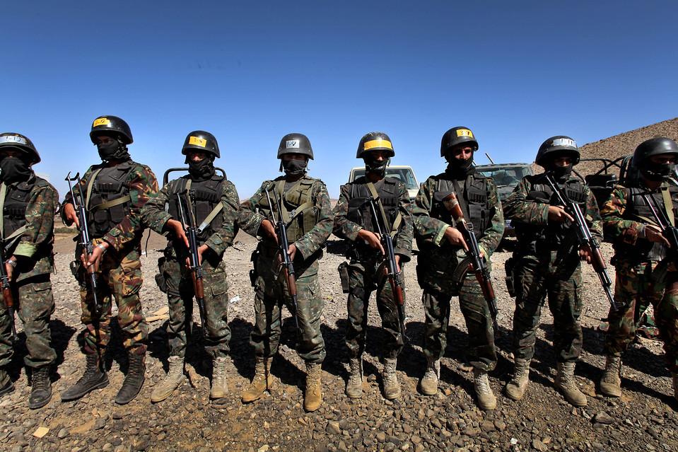 1.  Keamanan Yaman layanan, dipimpin oleh Yahya Saleh - keponakan presiden Yaman - dilakukan beberapa operasi terhadap al-Qaeda yang mengaku bertanggung jawab mencoba untuk meledakkan pesawat Amerika Airlines pada Hari Natal.  (Karim Ben Khelifa untuk The Wall Street Journal)