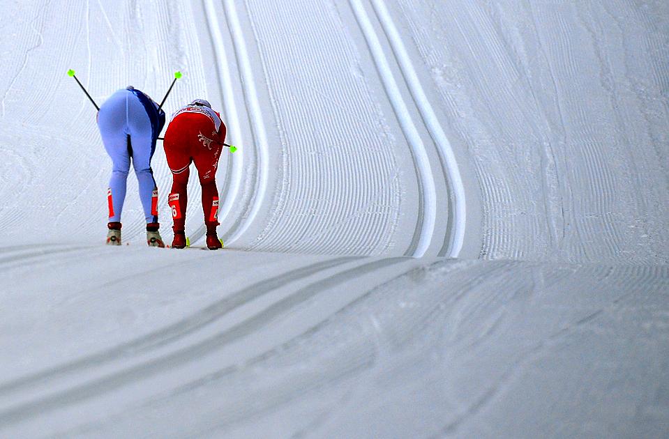 1) Соревнование лыжниц на Чемпионате мира Тур Де Скай в итальянском городе Тоблач. Заезд выиграла Джастина Коуолкзик из Польши. (Alberto Pizzoli/Agence France-Presse/Getty Images)