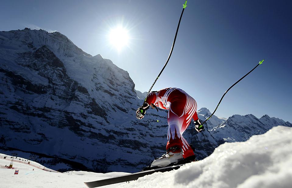 10. Австриец Михаэль Вальхофер отрабатывает спуск на Чемпионате мира в Венгене, Швейцария. (Franck Fife/Agence France-Presse/Getty Images)
