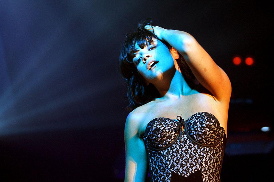 3. Британская певица Лили Аллен выступает в зале «Hordern Pavilion» в Сиднее. (Graham Denholm/Getty Images)