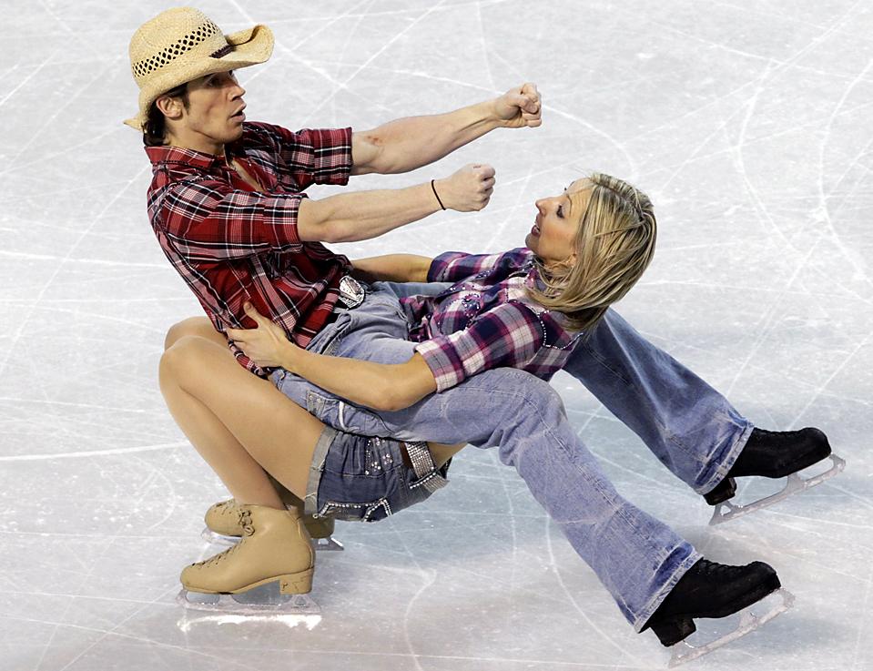 8. Шинед Керр и Джон Керр участвуют в соревнование по оригинальному танцу на Чемпионате Европы по фигурному катанию в Таллине. (Ints Kalnins/Reuters)