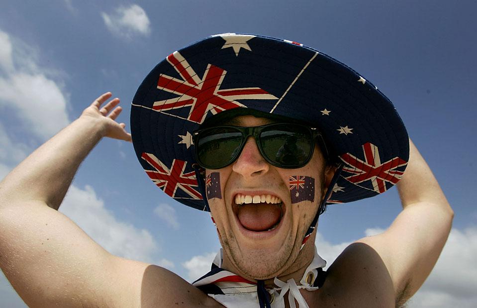3. Пляжник празднует День Австралии на пляже Бонди. Праздник посвящен первому прибытию кораблей к берегам Австралии 26 января 1788 года. (Sergio Dionisio/Getty Images)