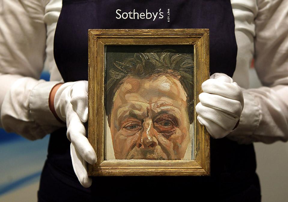 12. Картина Люсьена Фрейда «Автопортрет с синяком под глазом» выставлен на аукционе «Sotheby's» в Лондоне. Ожидается, что картина уйдет за несколько миллионов долларов на торгах в следующем месяце. (Peter Macdiarmid/Getty Images)