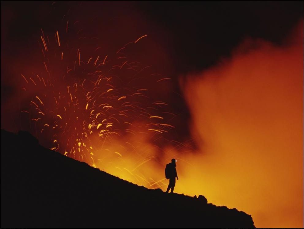 1) Извержение вулкана Этна.