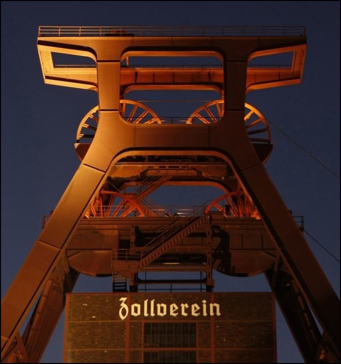 "2) © REUTERS/Ina Fassbender // Общий вид ""Zeche Zollverein""."