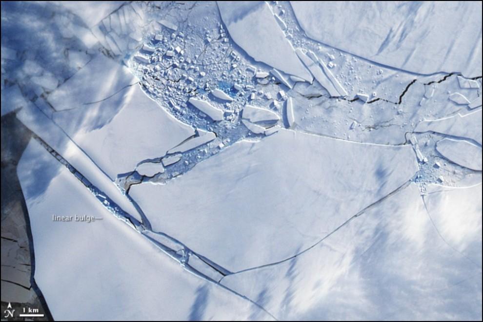 2)© NASA // Снимок того же шельфа но со спутника Terrasat.