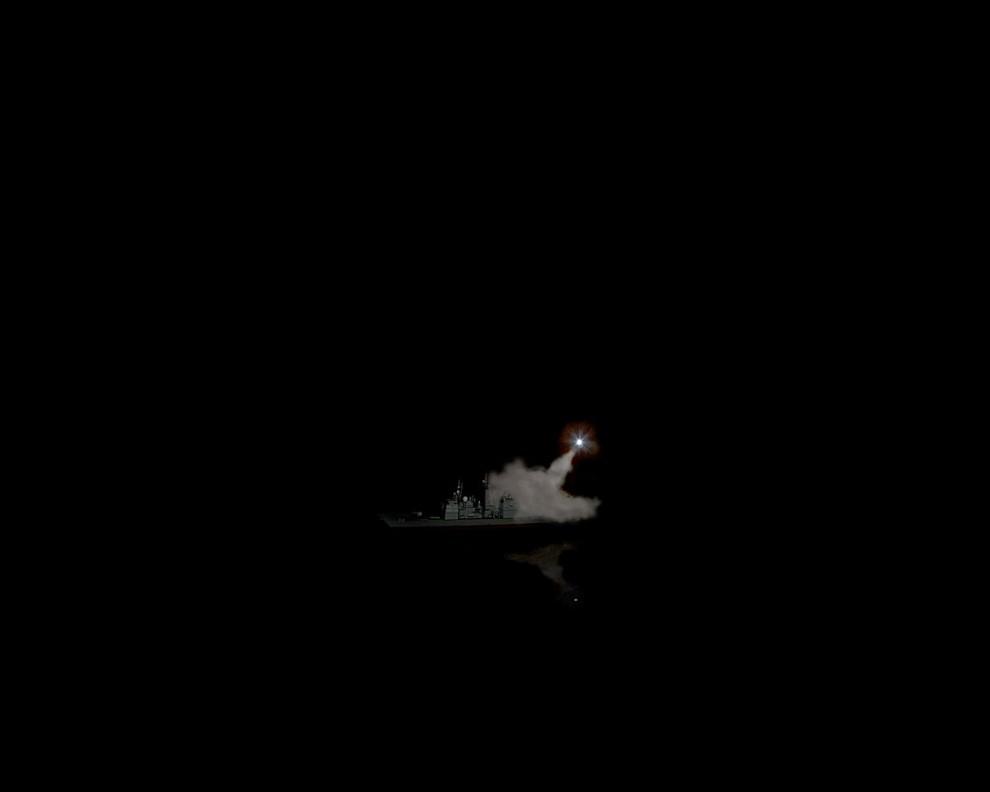 7) © Bradley Wollman // Пуск ракеты. Это изображение было снято в картонной коробке.