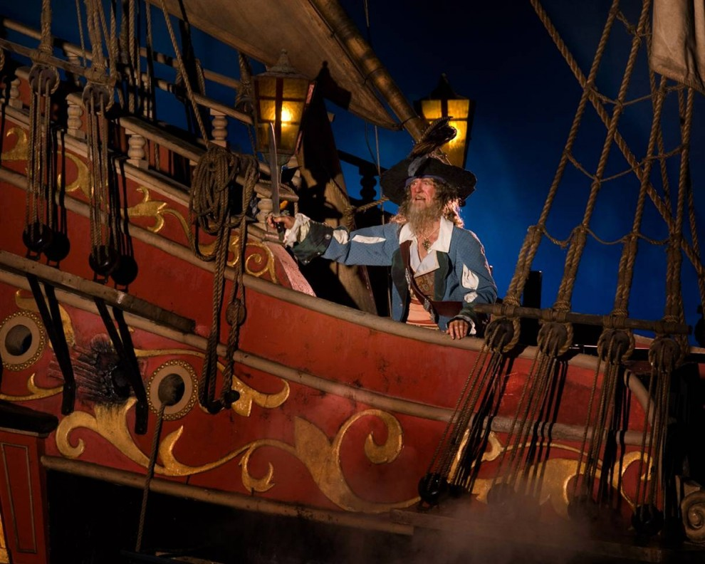 7) Беспощадный пират Барбосса отправляется по горячим следам чудака капитана Джека Воробья на аттракционе «Пираты Карибского Моря», который снова готов порадовать гостей. (Scott Brinegar / Disneyland)
