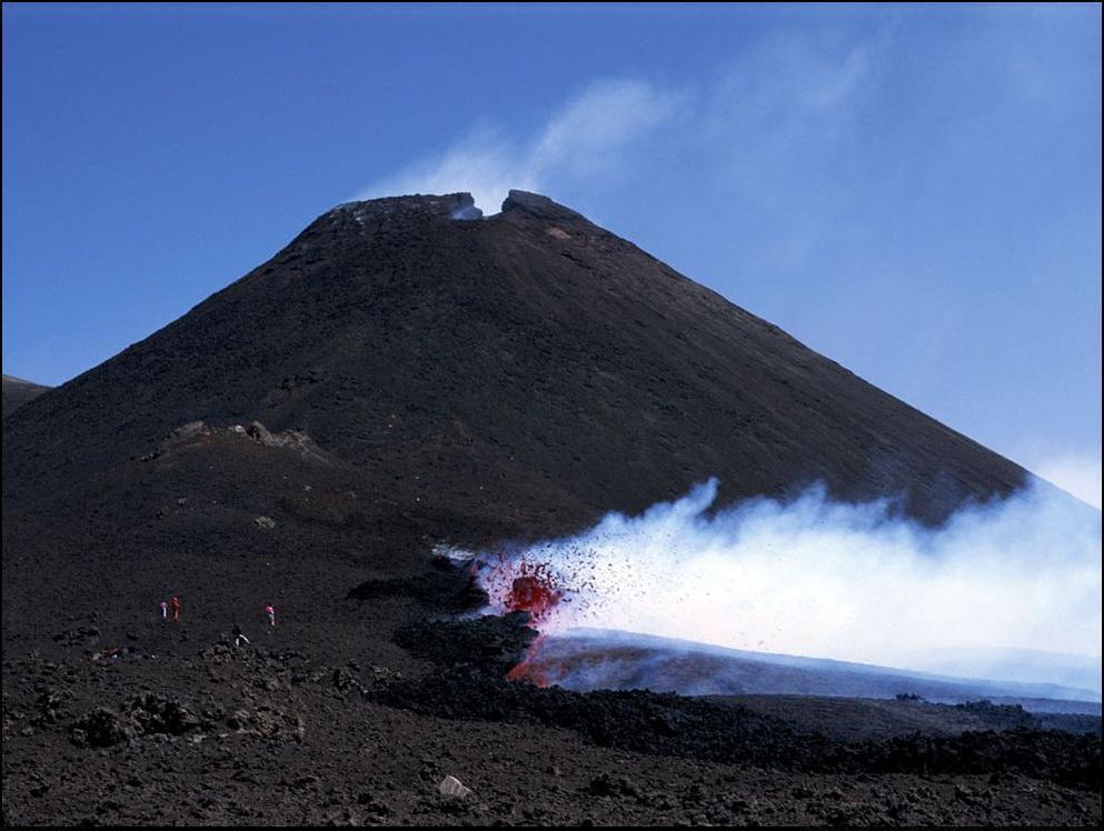 7) Брызги-фейерверки кипящей лавы.
