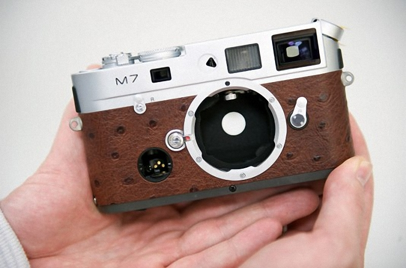 0833 Leica изнутри. Как собираются камеры