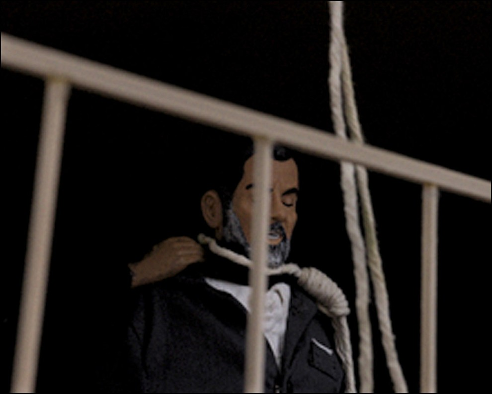 11) © Bradley Wollman // Повешение Саддама.