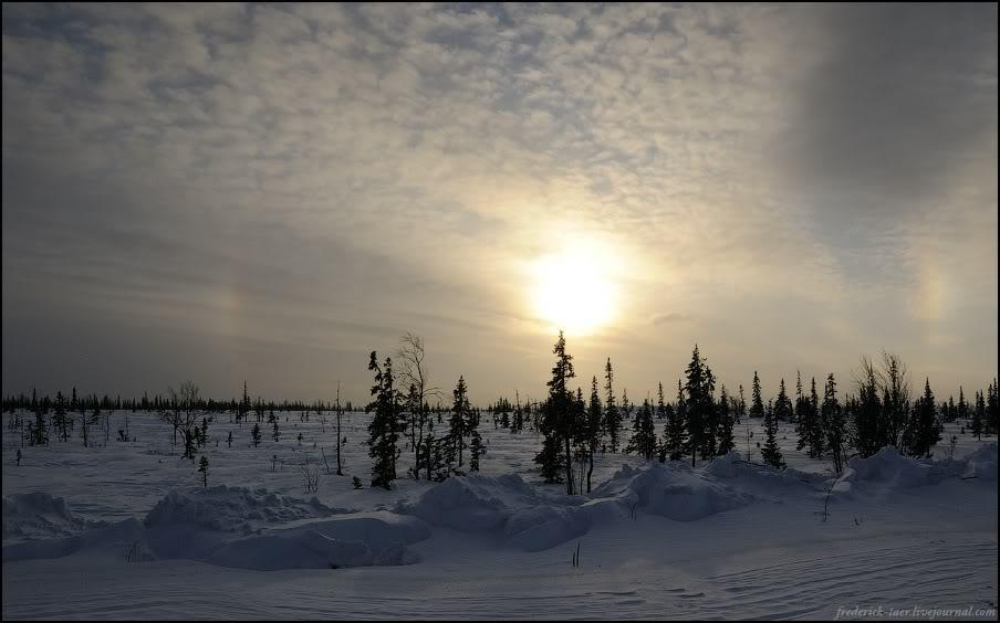 10) Погода улучшалась. Точнее, сдувало облака. Хорошо было видно светящееся кольцо вокруг солнца - ну ещё бы, вчера 0, а сегодня -20.