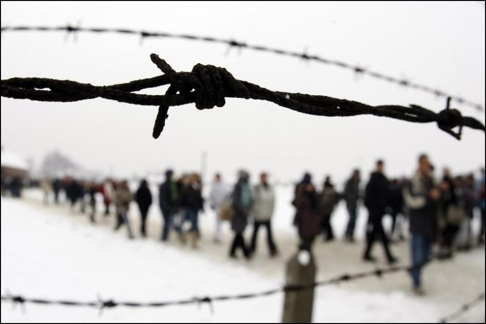 11) (Reuters/Eric Gaillard)