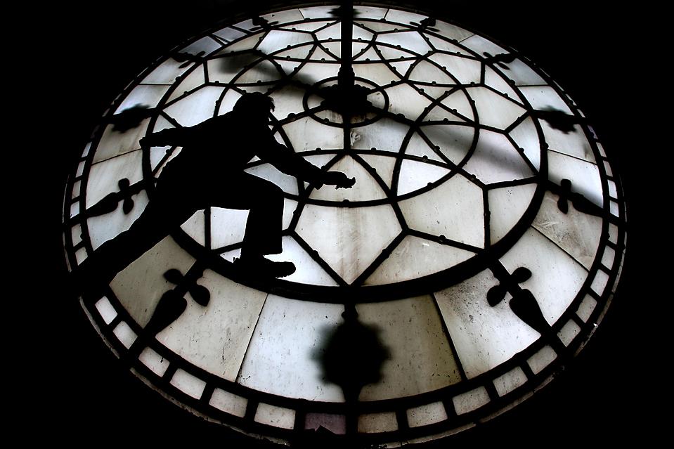 BRITAIN CLOCK