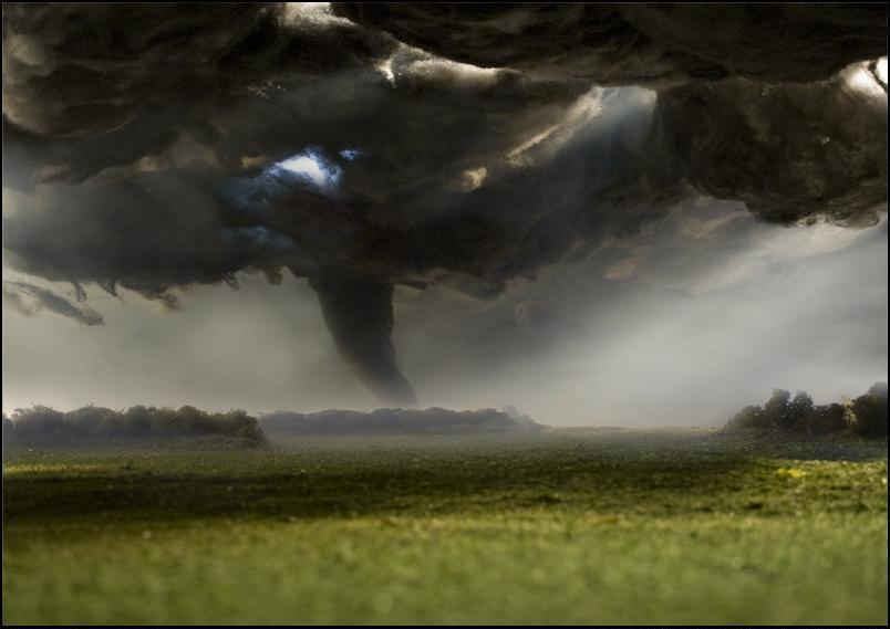 12) Торнадо.