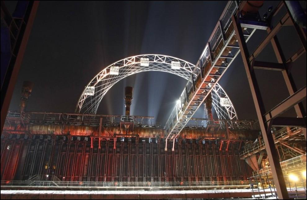 14) © REUTERS/Ina Fassbender // 'Zeche Zollverein'