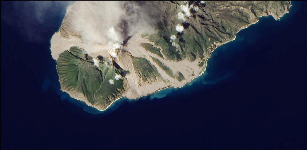 14) Вулкан холмов Montserrat's Soufrière.
