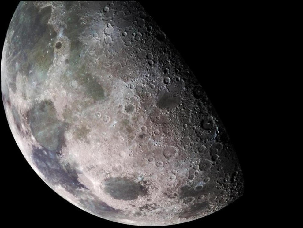 17) © NASA/JPL/USGS // Луна - крупный план.