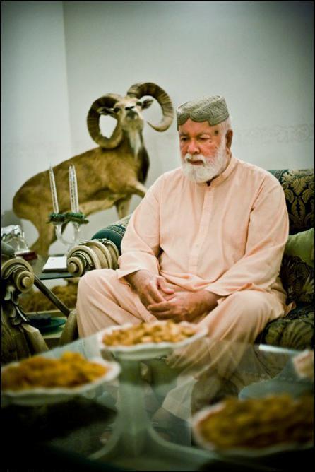 16) Лидер самого большого племени - Наваб Хэр Бакш Марриас.