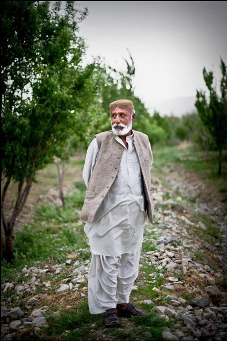 19) Мустафа Рэзини исчез в 2004 и два года находился в секретной тюрьме Пакистана. Он рассказывает о пытках которые перенес.