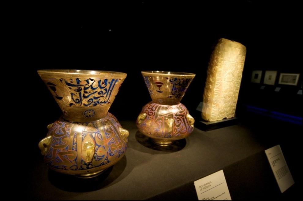 20) © Juan Naharro Gimenez/Getty Images // Две лампы для мечети из Египта.