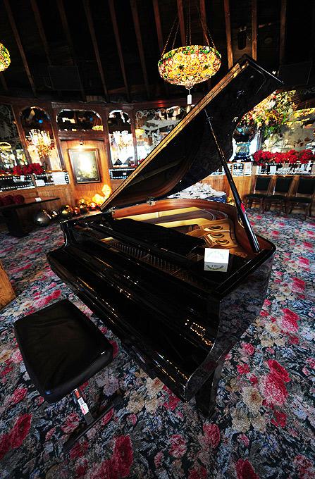 5) В 1962 году таверна была продана в ресторанной ассоциации.(AFP)