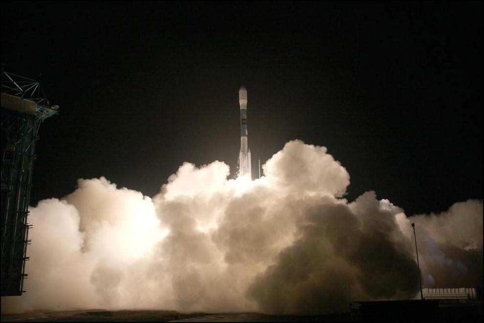 23) © Bill Hartenstein/United Launch Alliance // Инфракрасный телескоп WISE отправляется на полярную орбиту.