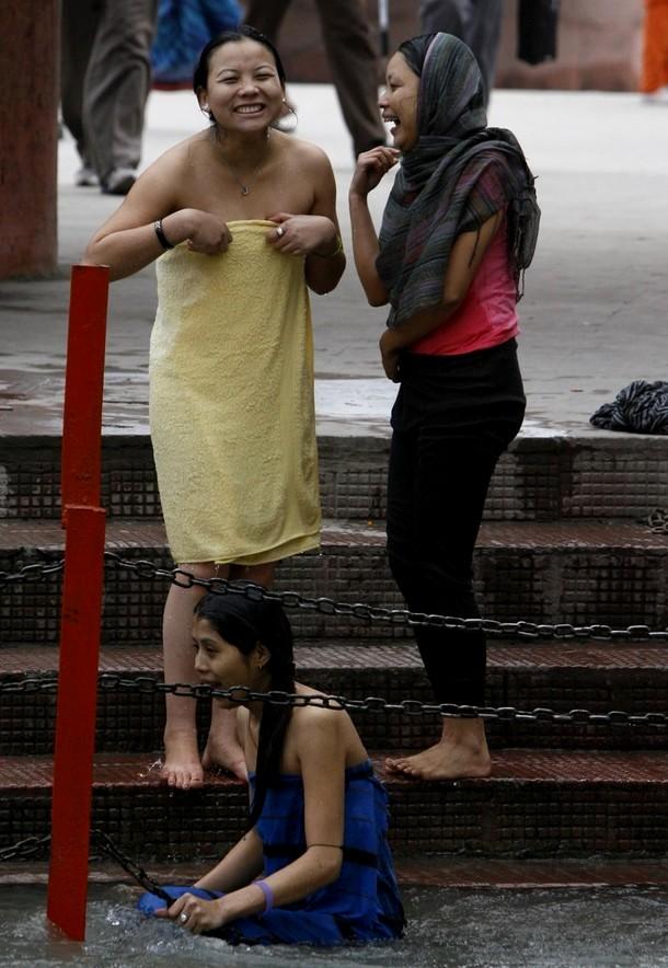 3) Полная Кумбха Мела проводится один раз в 12 лет. (REUTERS)