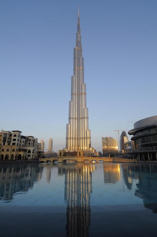 9) Каждому покупателю-иностранцу автоматически выдается резидентская виза, от которой до гражданства ОАЭ — всего один шаг.
