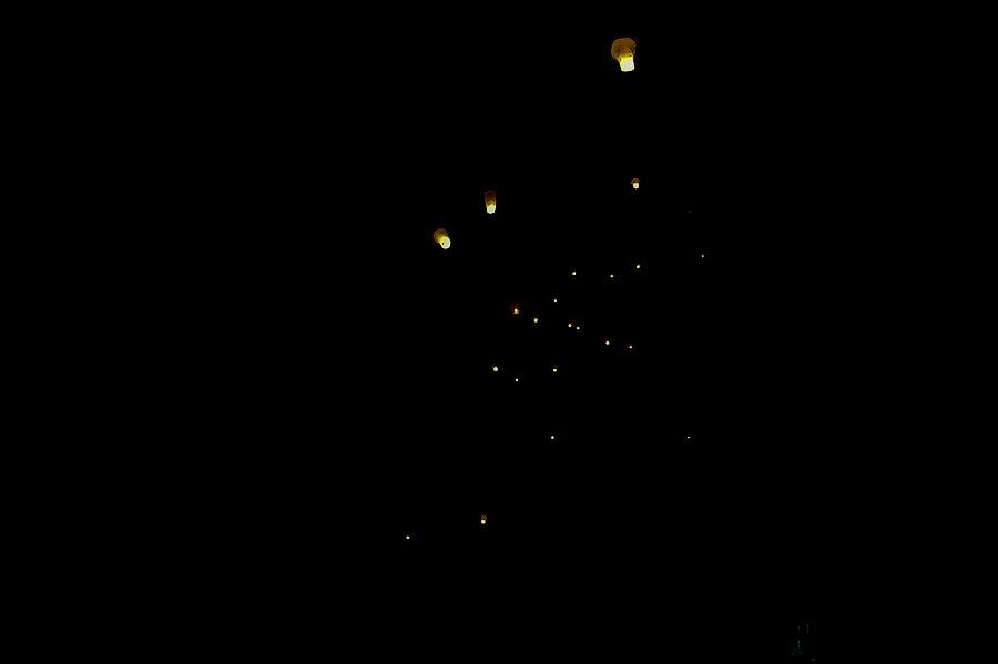 25) Сорок минут невероятного душевного подъема и 58 запущенных в небо фонариков, не считая тех, что были принесены с собой участниками. Чудесный Старый новый год!