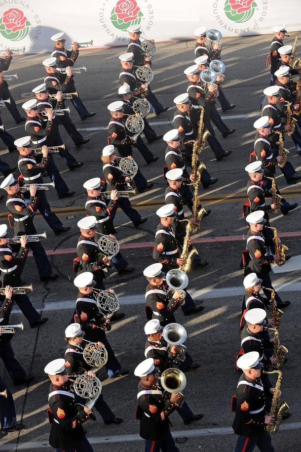 19) Выступление оркестра корпуса морской пехоты. (Alberto E. Rodriguez/Getty Images)