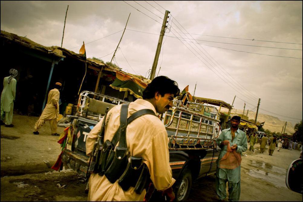 29) Дера Бугти в июле 2005, теперь под контролем армии Пакистана.