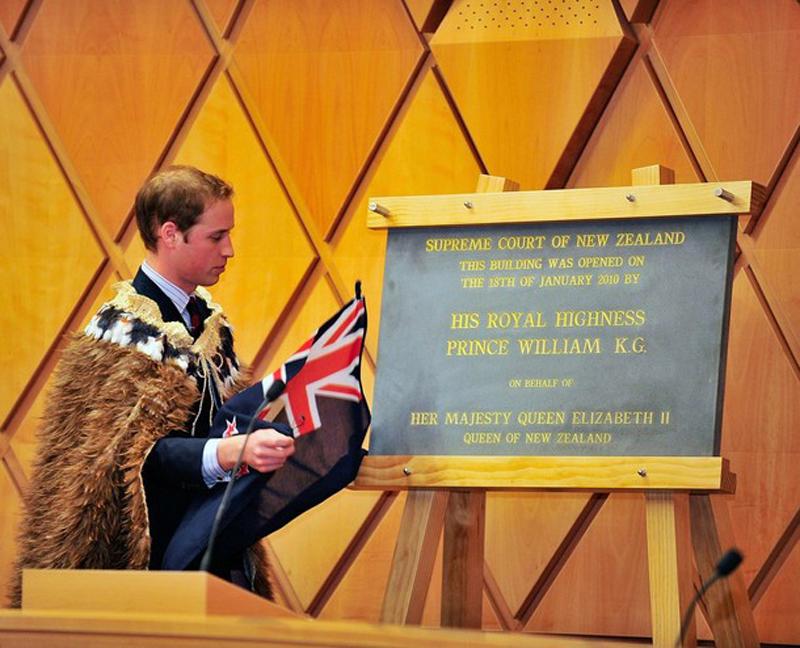 13) Это первый официальный зарубежный визит второго претендента в очереди на трон. Уильм возложенной на него миссией гордится. (Mike Heydon/Getty Images)