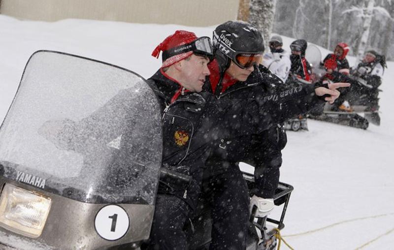 7) По их лицам можно судить, что уровень подготовки устраивает. (REUTERS/RIA Novosti/Kremlin/Dmitry Astakhov)